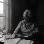 12:e Törnbesöket. Albert vid skrivmaskinen 28/9 -58 Foto Hilding Mickelsson