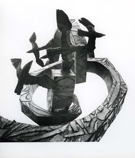 """M 6775: """"Tanken är som fågeln fri"""". Skulptur från 1973 av rostfritt stål, utanför Polhemsskolan i Gävle.Foto: Hilding Mickelsson"""