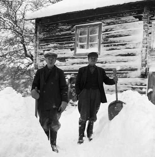 """M 66 947: """"J-Jöns Per och Johan, 19 januari 1958"""". Foto: Hilding Mickelsson"""