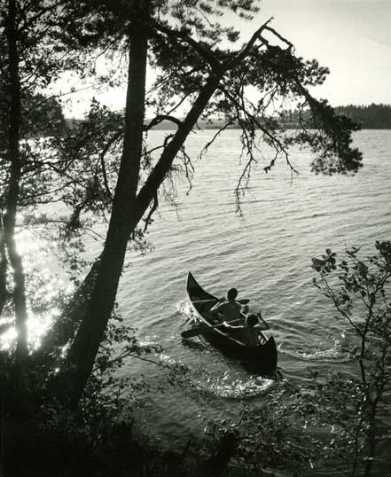 M 4 672: Vid Skidtjärn. Rengsjö, Hälsingland, 1954.Foto Hilding Mickelsson
