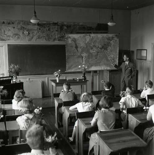 M 93540 Skolavslutning Glösbo, 9/6 1956. Foto: Hilding Mickelsson