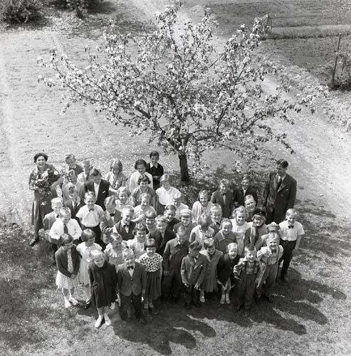 M 93544 Skolavslutning Glösbo, 9/6 1956. Foto: Hilding Mickelsson