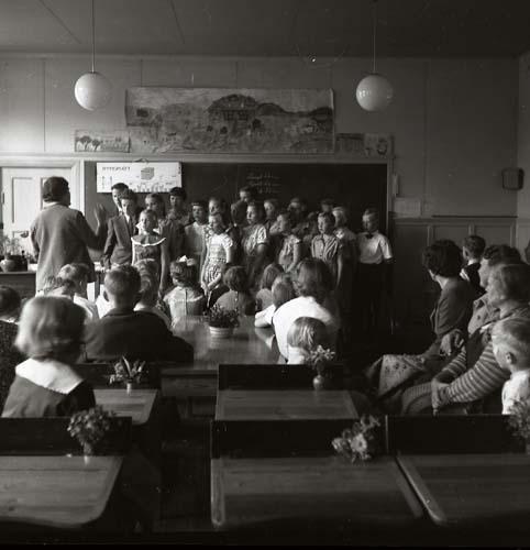 M 93572 Examen, Glösbo, 1955. Foto:Hilding Mickelsson
