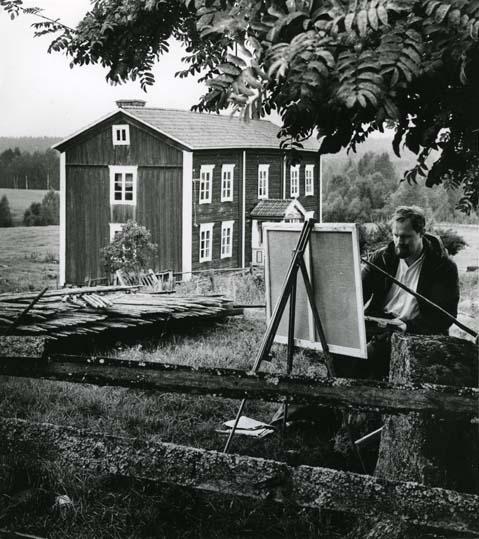 M 4 631:Mårten Målare målar i hälsingemiljö. (Mårten Andersson,Freluga, Hälsingland) Foto:Hilding Mickelsson