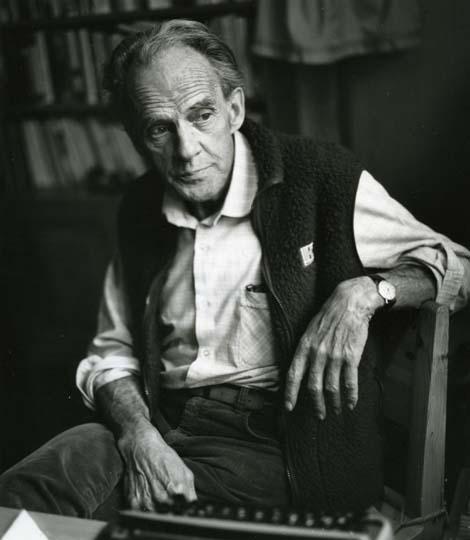 M 5 903: Författaren Karl Rune Nordkvist. Bollnäs, 12/11-85. Foto: Hilding Mickelsson