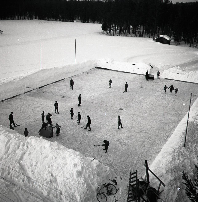 Ishockey Glösboplanen 27 januari 1959. Foto: Hilding Mickelsson